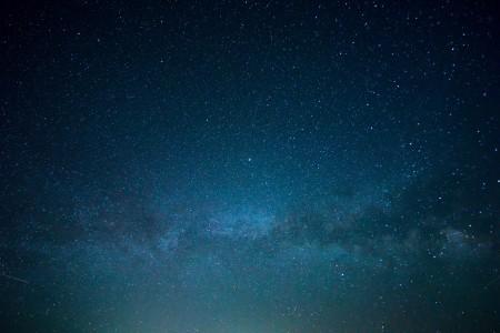 繁星点点的夜空背景6K高端电脑桌面壁纸