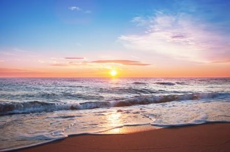 美丽的日出 海滩 地平线 4K风景高端电脑桌面壁纸