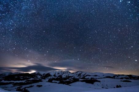 夜晚 山 星空5K风景高端电脑桌面壁纸