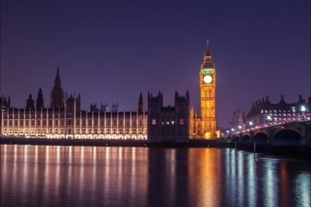夜晚 伦敦 威斯敏斯特4K风景高端电脑桌面壁纸