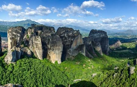 微软官方win8主题 石林全景风景高端电脑桌面壁纸