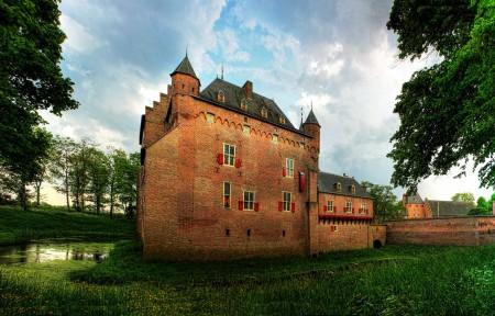 草 树 城堡 荷兰 多尔威尔斯城堡4K风景高端电脑桌面壁纸