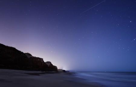 星星 星空 猎户座 怪石 海洋 4K风景高端电脑桌面壁纸