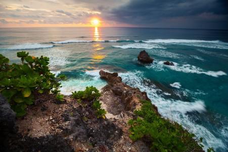 天空 日落 海洋 岩石 印尼巴厘岛4k风景图片高端电脑桌面壁纸