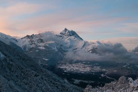 远山 高峰 雪山 4K风景图片高端电脑桌面壁纸