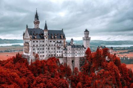 德国 秋天 新天鹅堡 4K风景高端电脑桌面壁纸图片