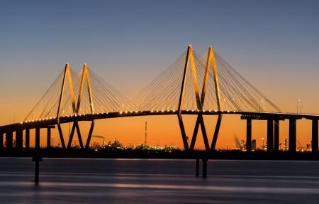 晚上的城市桥梁风景4K高清壁纸极品游戏桌面精选