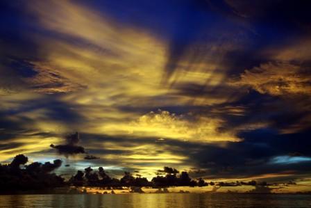 马尔代夫北环礁天空风景4K图片