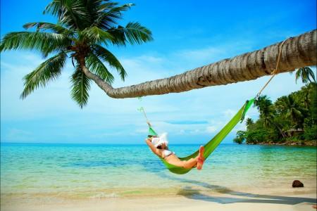 天空 海 棕榈树 海滩 沙子4K风景高端电脑桌面壁纸
