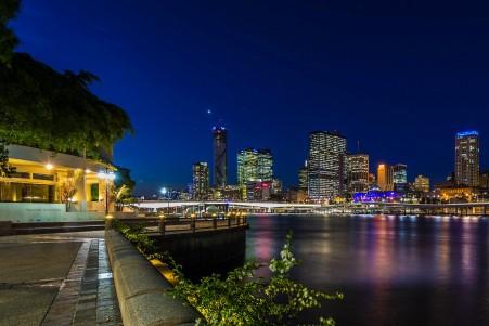 夜灯 桥梁 河流 摩天大楼 澳大利亚 布里斯本 4k高端电脑桌面壁纸