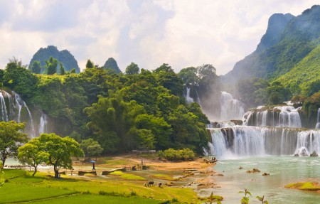 越南瀑布风景4K图片