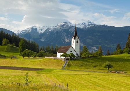瑞士阿尔卑斯山 草甸 教堂 风景4k图片