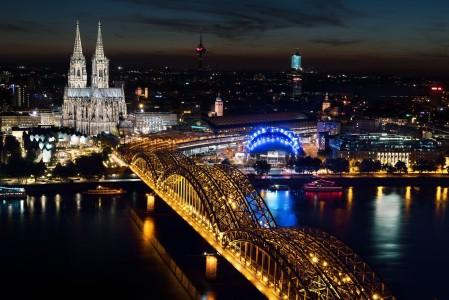 科隆大教堂夜景图片