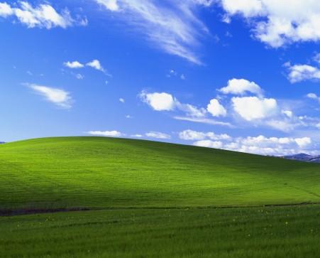 蓝天白云绿草地风景图片,windows xp默认风景桌面高端电脑桌面壁纸