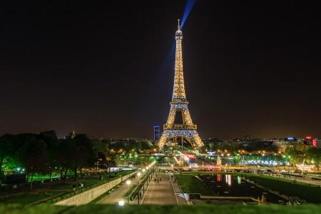 巴黎艾菲尔铁塔,晚上风景图片