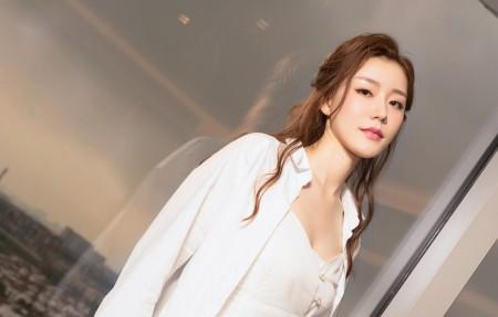 江琴 白色衣服4k美女高端电脑桌面壁纸