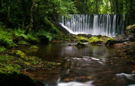 加利西亚小瀑布自然风景4k高端电脑桌面壁纸3840x2160