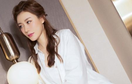 江琴白色衣服清纯美女3440x1440超高清壁纸精选