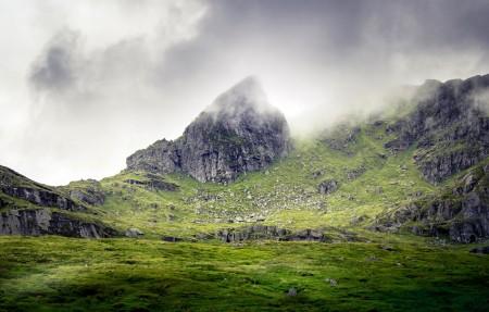 苏格兰南部高地的山4k风景高端电脑桌面壁纸