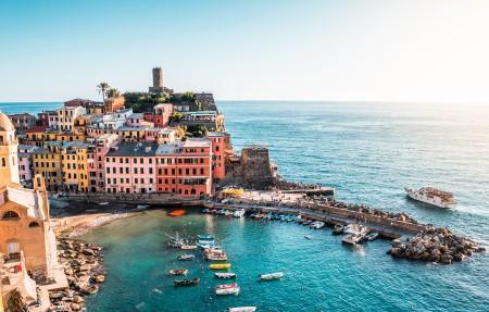 意大利五渔村美丽的海景4k高清高端电脑桌面壁纸