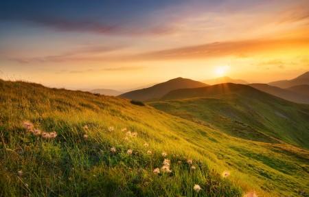 早上太阳日出山风景4k高端电脑桌面壁纸