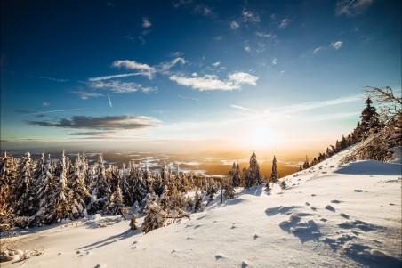 完美的冬季山景4k高端电脑桌面壁纸
