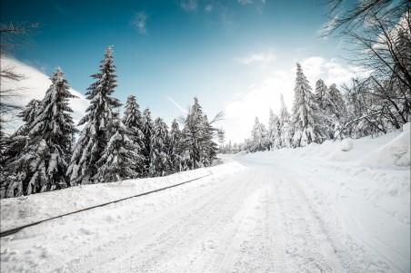 雪盖公路4k风景高端电脑桌面壁纸