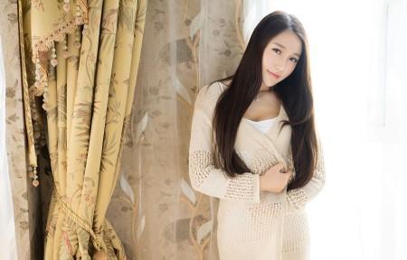 刘奕宁Lynn 窗帘前美女3440x1440超高清壁纸推荐