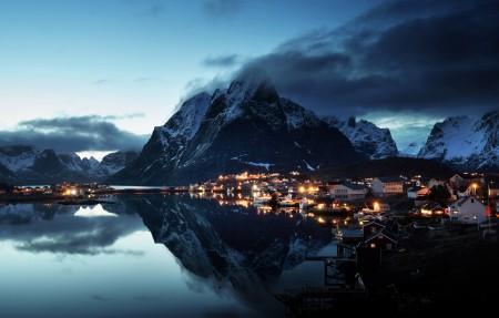 挪威lofoten山脉 傍晚 海岸 4k风景高端电脑桌面壁纸