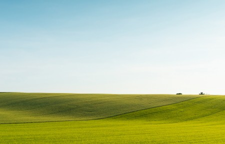 蓝天绿草地5120x1440风景高端电脑桌面壁纸