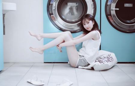 干洗店 洗衣机 清纯可爱美女4k壁纸3840x2160