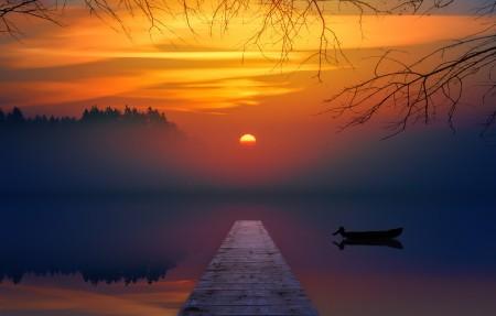 日落 夕阳 湖水 船 码头 树木 6k风景壁纸
