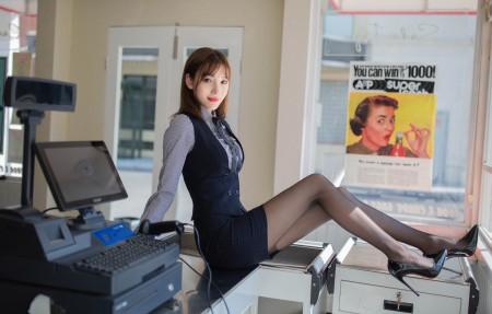陆萱萱 制服黑色丝袜长腿美女4k壁纸百变桌面精选