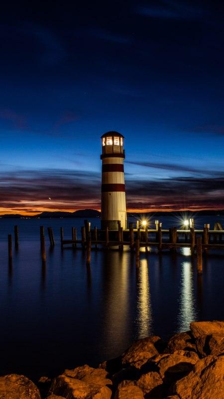 夜晚海岸上的灯塔极品游戏桌面精选4K手机壁纸