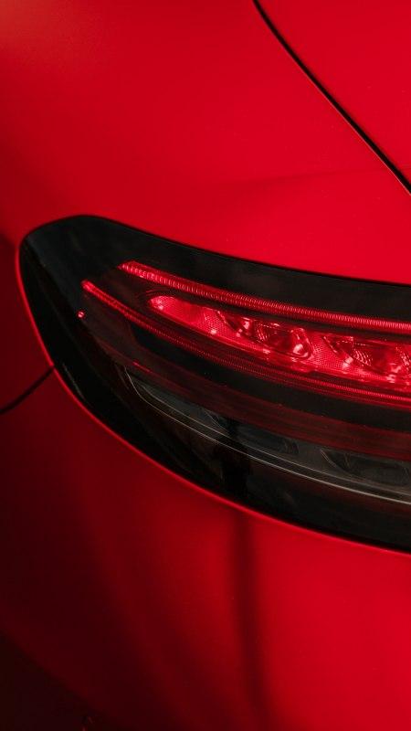 红色汽车前照灯极品游戏桌面精选4K手机壁纸