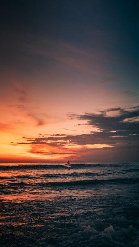 日落海上冲浪的人极品游戏桌面精选4K手机壁纸