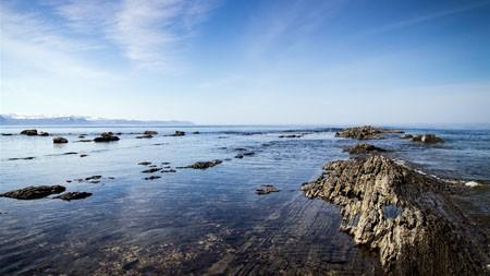 蓝蓝的天空,洁白的云朵,沙滩,珊瑚礁,天际线高端桌面精选 3840x2160