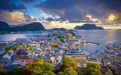奥勒松,挪威,海岸,镇,2021年,必应,5K,照片高端桌面精选 5120x2880