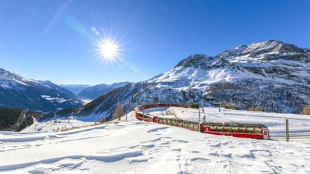 瑞士,雪山,冬季,火车极品壁纸精选 3840x2160