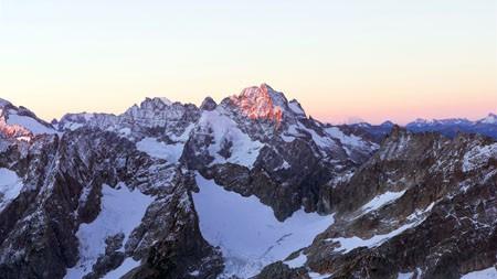 2022年,山脉,峭壁,雪山,风景,摄影高端桌面精选 3840x2160