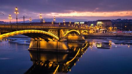 欧洲,城镇,桥梁,河流,夜间照明高端桌面精选 3840x2160