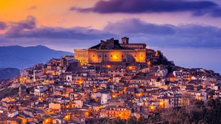 Montalbano Elicona,墨西拿,西西里岛,意大利,2021年,Bing,5K,..高端桌面精选 3840x2160
