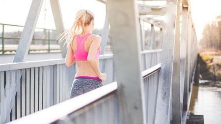 早晨,阳光,金发女孩,跑步,铁桥高端桌面精选 3840x2160