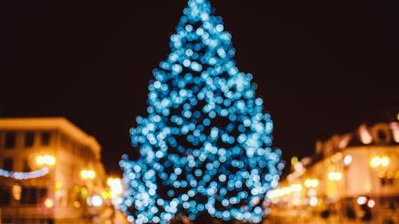 室外,夜晚,圣诞节,树,灯,4K,超高清百变桌面精选 3840x2160