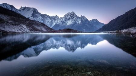 尼泊尔,雪山,湖,反射,2021,风景,4K,摄影高端桌面精选 3840x2160