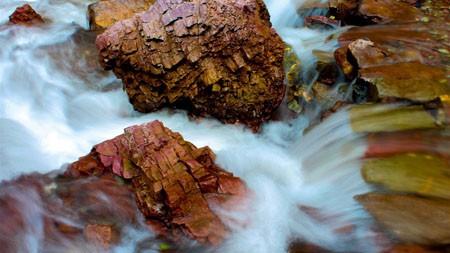 丛林,潮湿,红色的岩石,溪流高端桌面精选 3840x2160