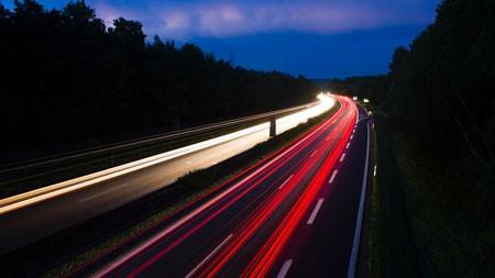 夜晚,高速公路,灯光,长时间曝光百变桌面精选 3840x2160