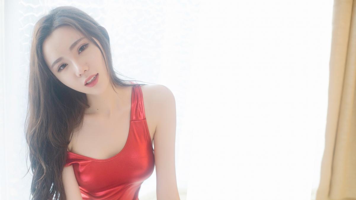 萌琪琪Irene红色睡衣美女模特4K超高清壁纸精选