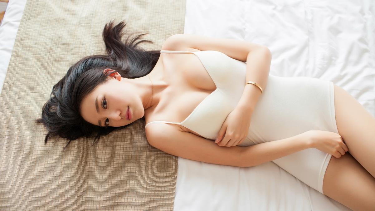 刘奕宁Lynn 美女模特 白色内衣写真 4K高端电脑桌面壁纸