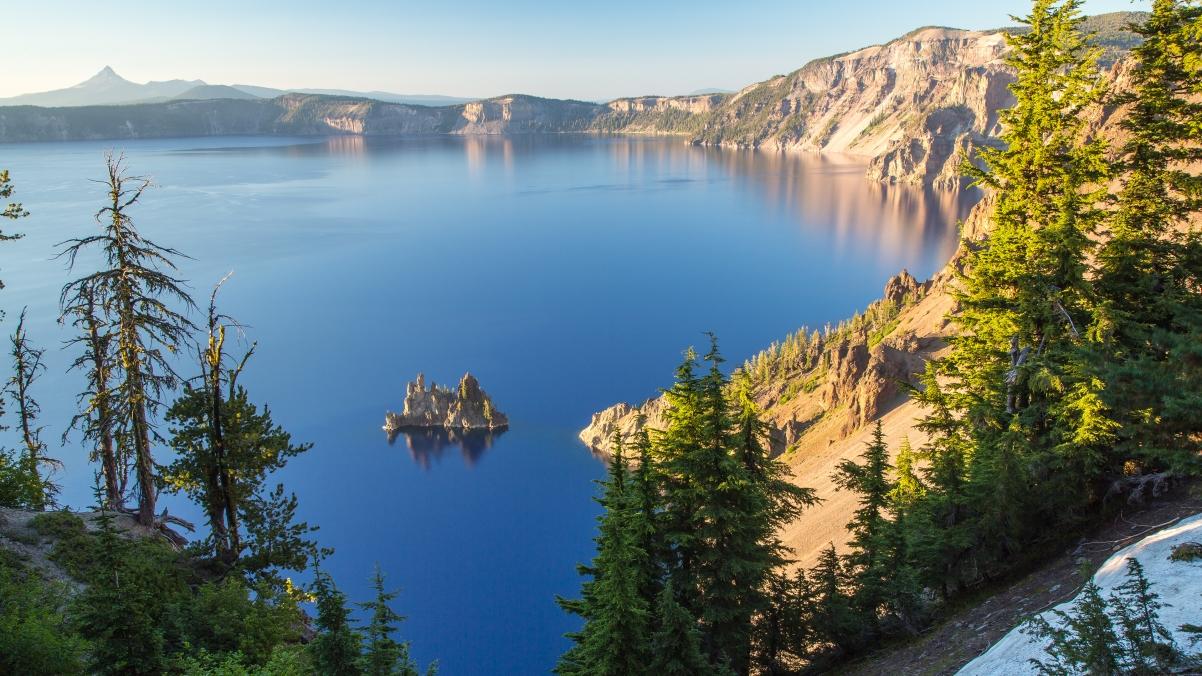 美国俄勒冈州火山口湖4K风景高端电脑桌面壁纸3840x2160
